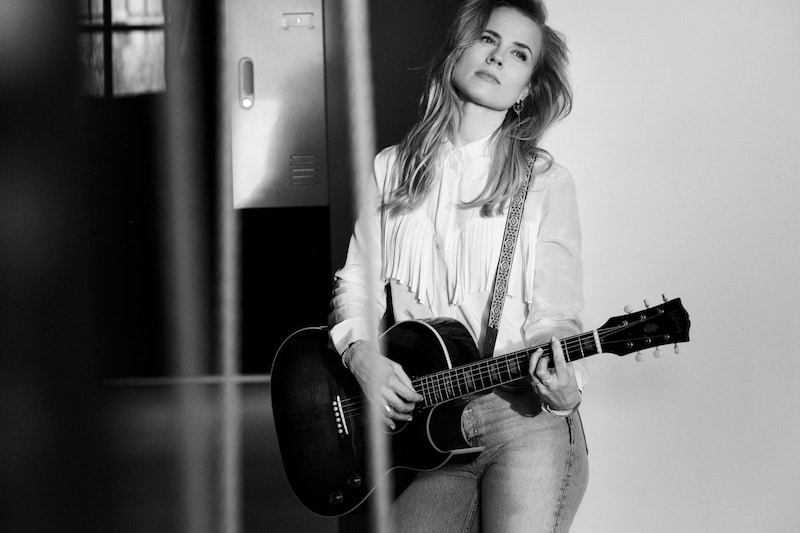 Ilse Delange Gitarre Mehr Mut zum Glück