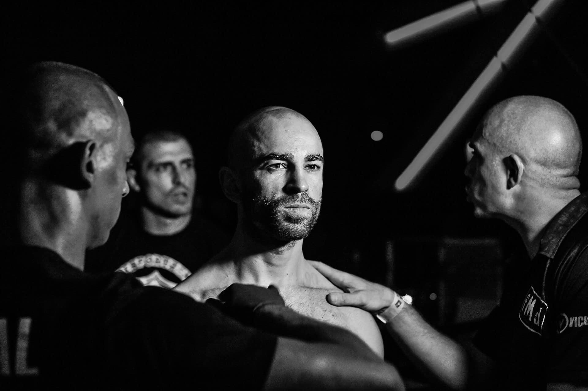 Jan Steinbächer Käfigkämpfer im Ring